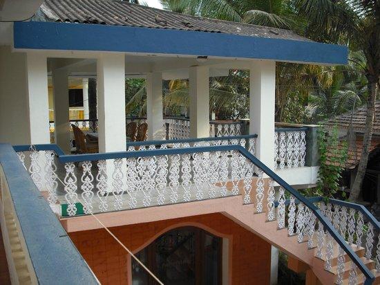 Pretty Petals Guest House: Great al fresco terrace