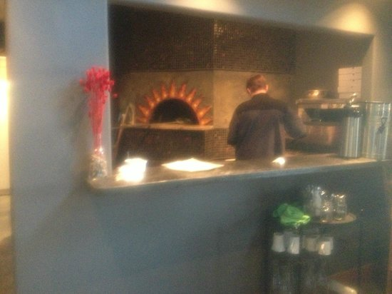 Canoe Club Wine Bar: Brick Oven