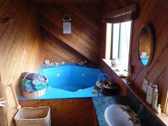 Harbour Lights Homestay Bed and Breakfast: additional bathroom