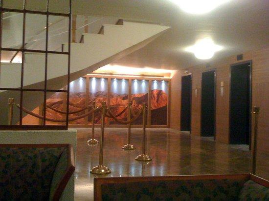 King Solomon Hotel: Entrada elevadores restaurantes