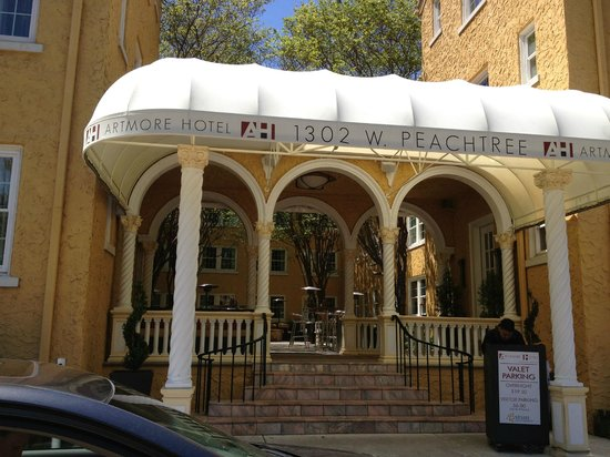 Artmore Hotel: Entrance