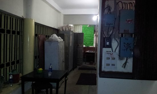 Maithan Tourist Lodge: Reception area - cluttered with empty mineral water bottles at the back of innumerable almirahs