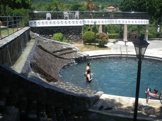Sol Y Viento Mountain Hot Springs Resort: cold water pool