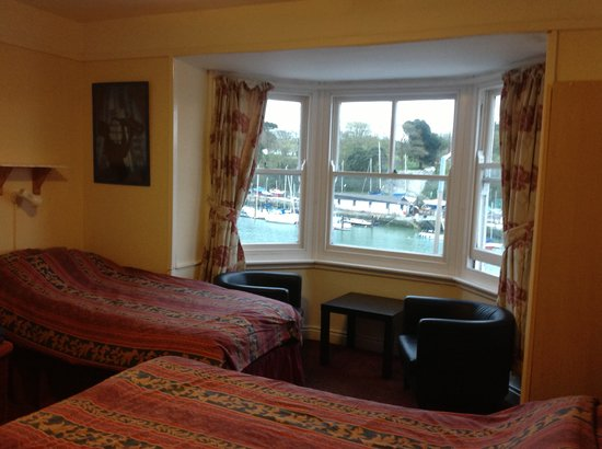 The Cavendale: Family Harbour View Room