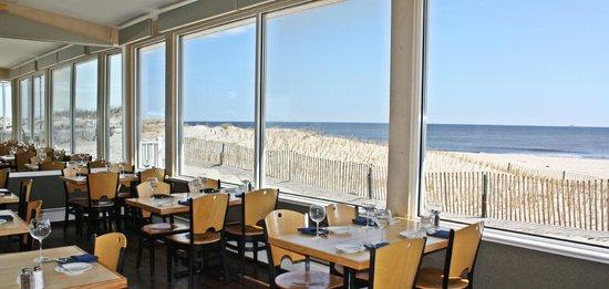 The 10 best restaurants near island beach motor lodge for Island motor inn resort