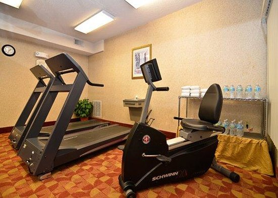 Quality Inn & Suites: Exercise facilties