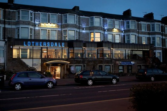 Best Western Lothersdale Hotel: Front in the evening