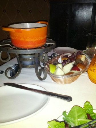 Geja's Cafe : cheese fondue with fruit and bread