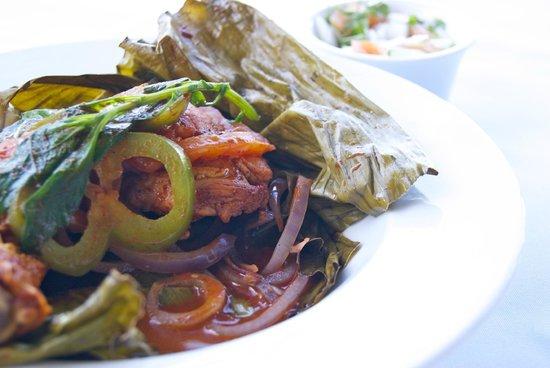 Los Almendros : Pollo Pibil