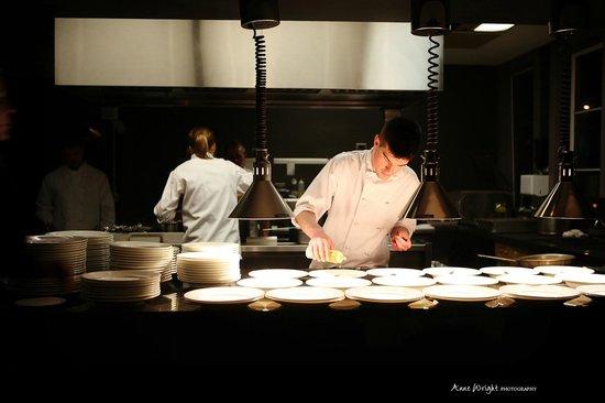 Chef's Table at Kensington Riverside Inn: Plating