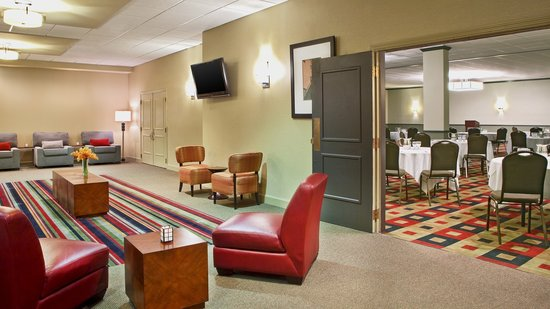 Four Points by Sheraton Kalamazoo: Pre-Function Area