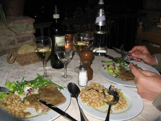 Albergo Il Castello: Nog meer eten