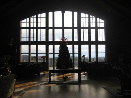 Soaring Eagle Lodge: Hearth Room at Christmas