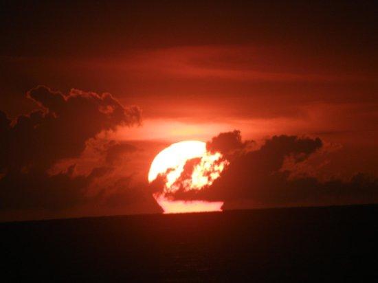 Banana Shout Resort: sunset