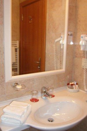 Hotel Apoksiomen by OHM Group: bagno