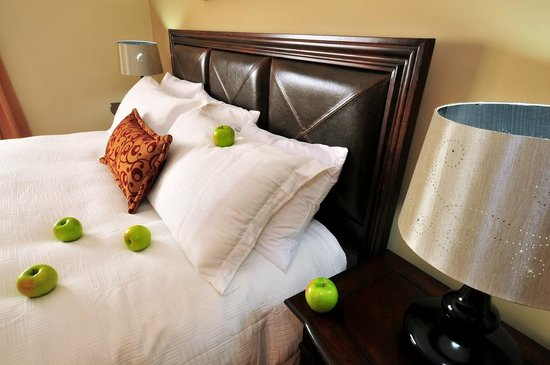 Isabella Boutique Hotel : KING SIZE BEDS