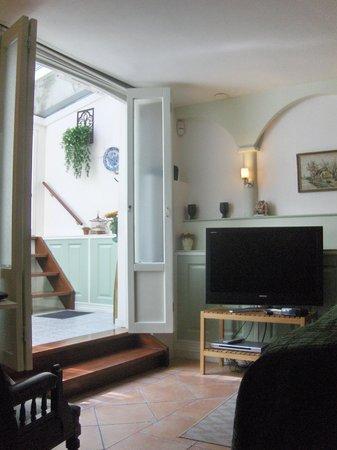 Parkzijde Bed & Breakfast: Room View Towards Conservatory