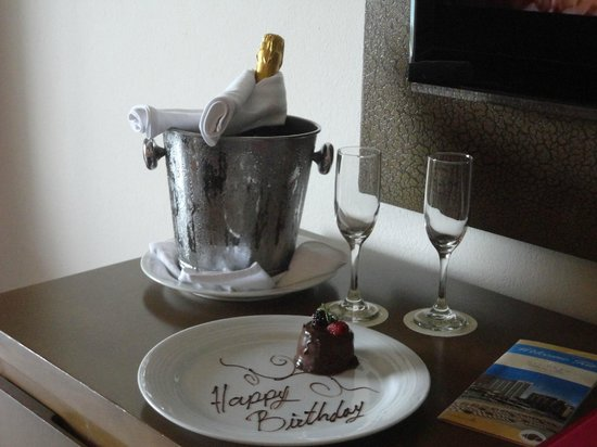 Secrets Vallarta Bay Resort & Spa: birthday celebration
