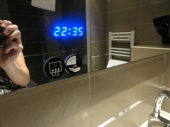 Hotel Central : Salle de bains