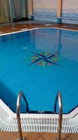 Hotel Kaktus Playa: Piscine intérieur - Espace détente