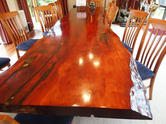 Ropatini's Homestay B & B: The Table that Collin made