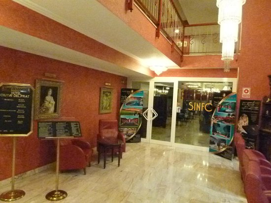 Salles Hotel Ciutat del Prat: Restaurant Entrance