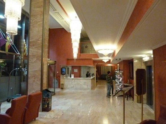 Salles Hotel Ciutat del Prat: Lobby