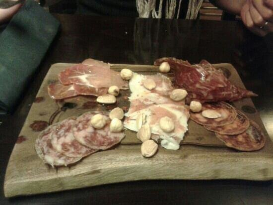 Restaurante La Bruja: Surtido de Iberico (half portion)