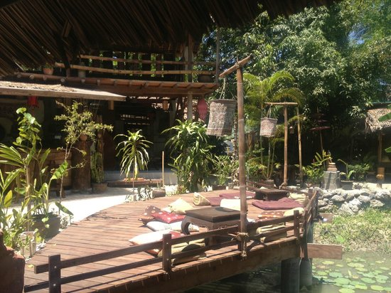 Siam House : The bottom deck-over the pond