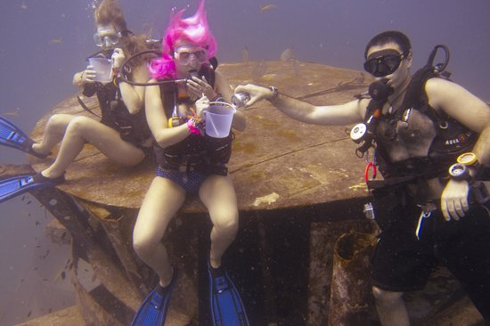 Ban's Diving Resort: Wreck dive