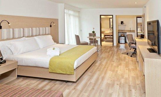 habitaciones conectadas foto di hotel rosales plaza