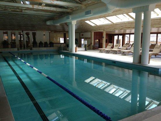 Topnotch Resort: Piscine intérieure du Spa (il y en a 2 autres à l'extérieur)