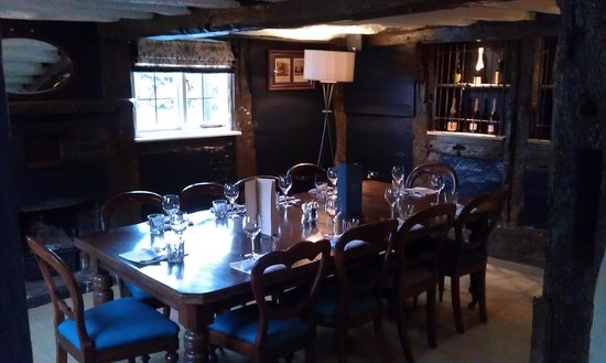Ye Olde Saracens Head: Our room we had for our family dinner.. Love it!