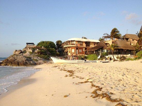 Hotel CalaLuna Tulum: next door reosrt