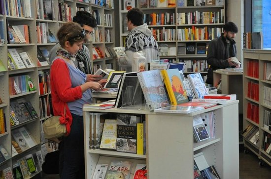 Woolfson & Tay Independent Bookshop & Cafe: Books, gifts, greeting cards, giftwrap