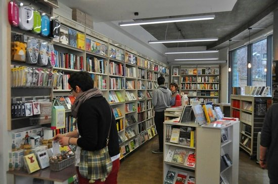 Woolfson & Tay Independent Bookshop & Cafe: W&T indie bookshop and cafe at Bankside