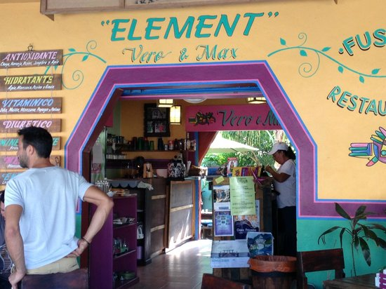Element Fusion Restaurant : view from the street