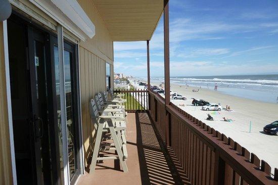 Coastal Waters Inn: balcony rm 215