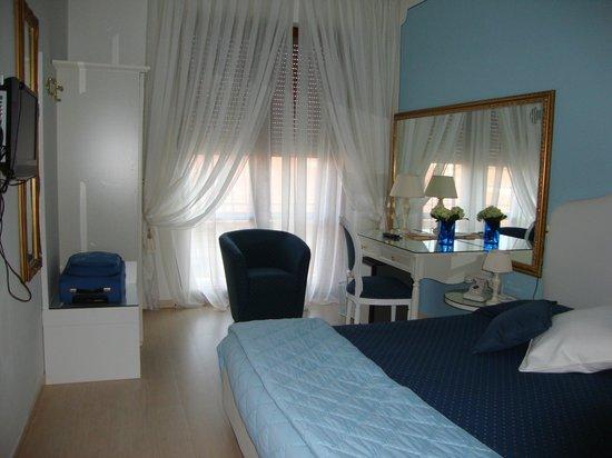 Hotel Continentale: Camera