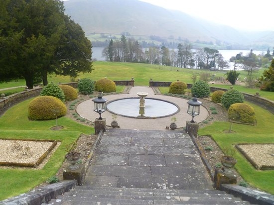 Macdonald Leeming House, Ullswater: garden