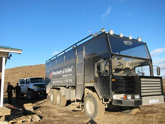 Langjokull Glacier: One of the Mountaineers of Iceland's vehicles - sturdy!