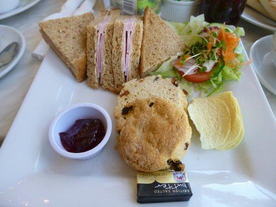 Indulgence Cafe: Afternoon tea