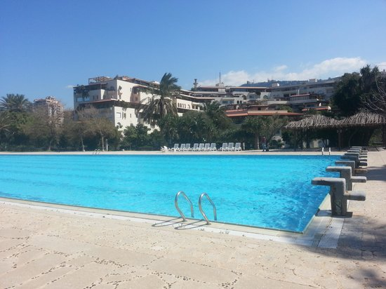 Portemilio Hotel And Resort: Outdoor pool