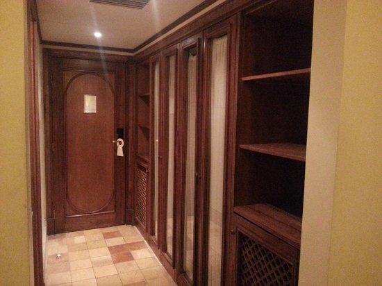 Portemilio Hotel And Resort: Room