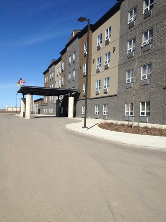 BEST WESTERN PLUS Blairmore: Front of Hotel