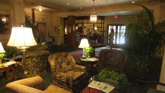 Hawthorne Hotel: The lobby