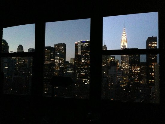 Dumont NYC–an Affinia hotel : View from our room on the 32nd floor at dusk.