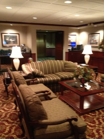 Hartford/Windsor Marriott Airport: part of the consierge lounge