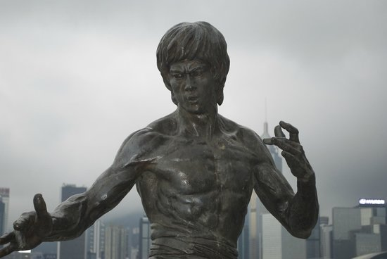 Bruce Lee Statue: the wonderful statue of Bruce Lee