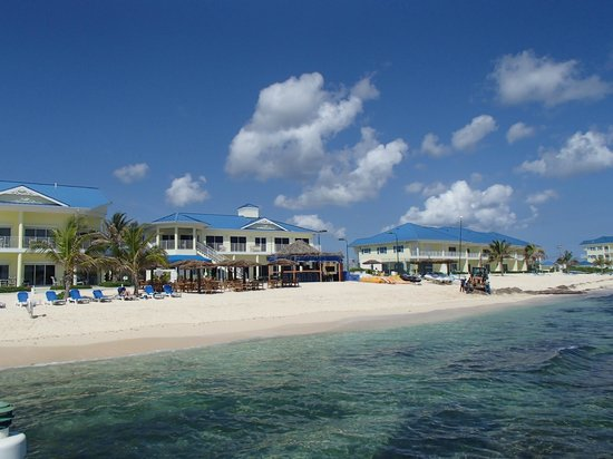 Wyndham Reef Resort: Resort from the dock